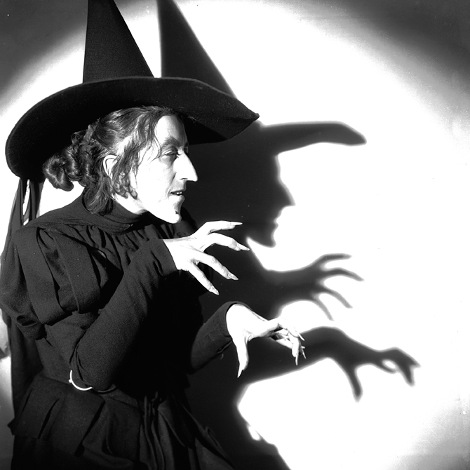 Margaret Hamilton (1902-1985) in the role of Miss Gulch, The Wicked Witch of the West, in the musical 'The Wizard of Oz', directed by Victor Fleming for MGM.
